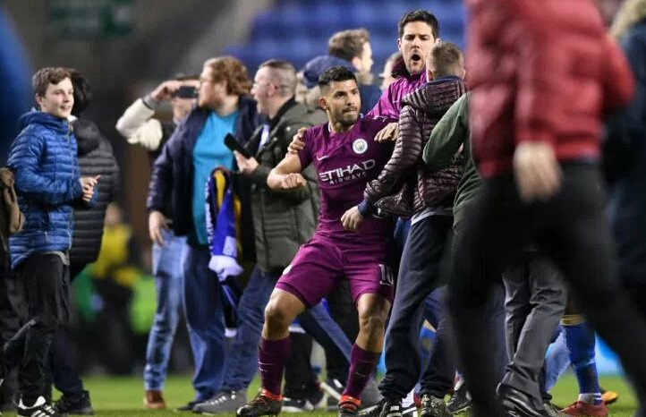 Aguero punches fan after City's FA Cup defeat to Wigan