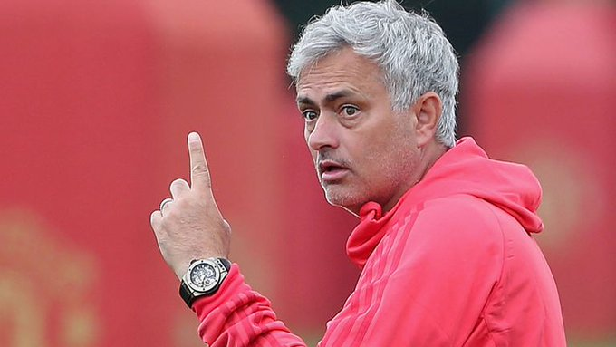 Mourinho sends transfer warning to United CEO and predicts difficult season
