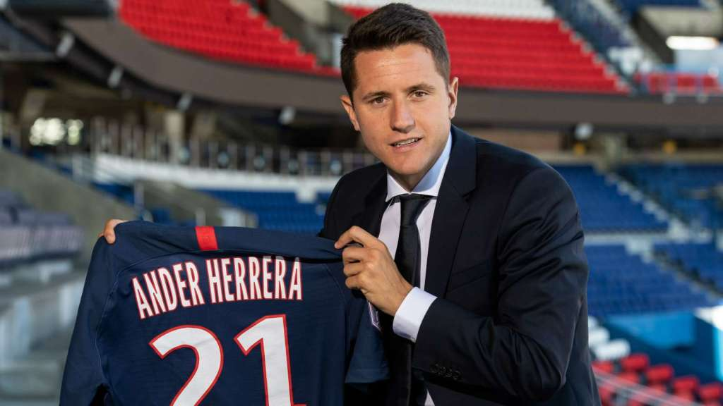 Herrera hits out at Man United board after PSG transfer