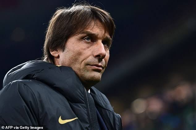 Conte under police protection after receiving a bullet in the post