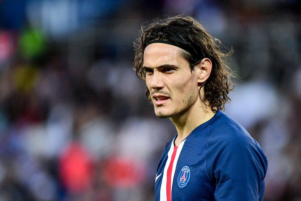 Chelsea submit loan offer to sign Edinson Cavani from PSG