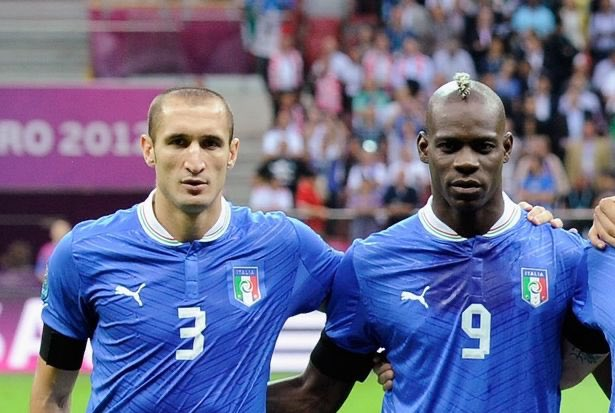 Balotelli hits back at Juve's Chiellini