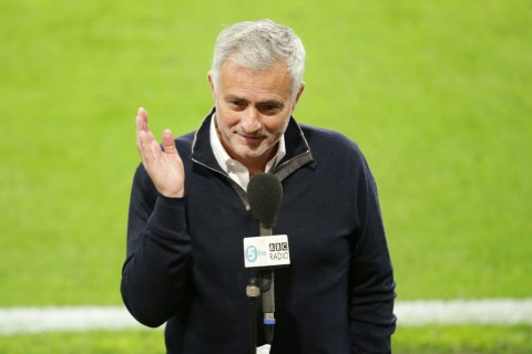 Mourinho aims swipe at Man Utd after Fernandes' penalty against Aston Villa
