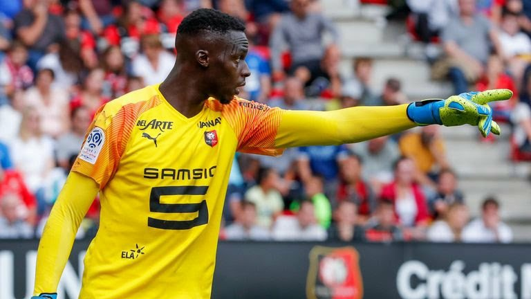 Edouard Mendy undergoing medical after Chelsea agree £22m fee with Rennes