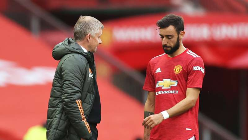 Bruno Fernandes reacts to surprise Man Utd captaincy for PSG game