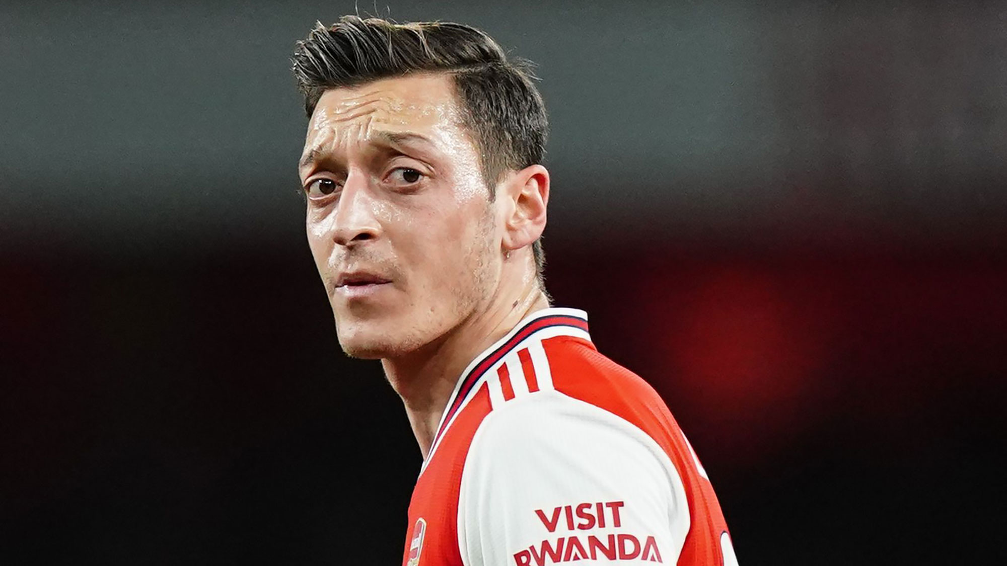 Willian's agent describes Mesut Ozil spat with Arsenal as 'pure stupidity'