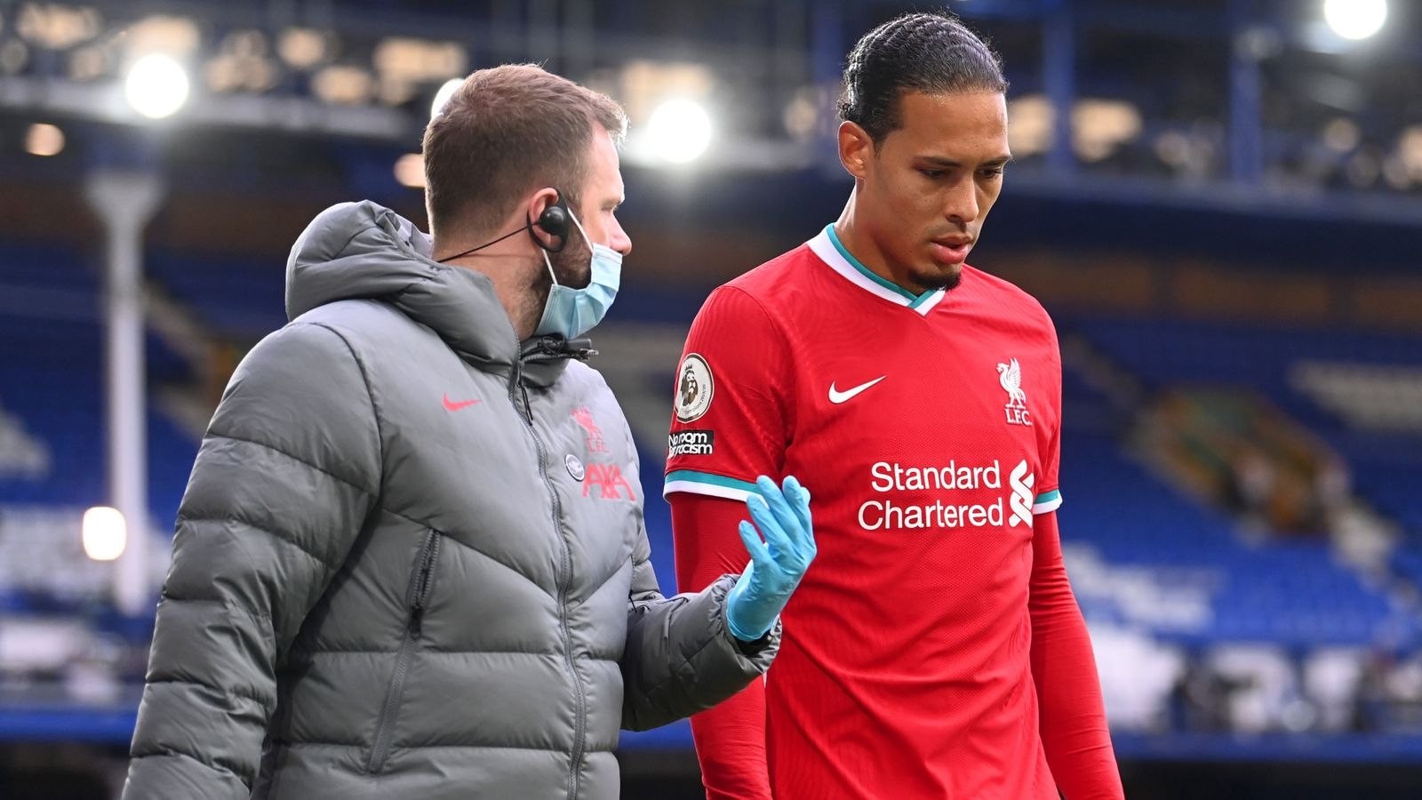 Virgil van Dijk undergoes successful surgery on ACL injury
