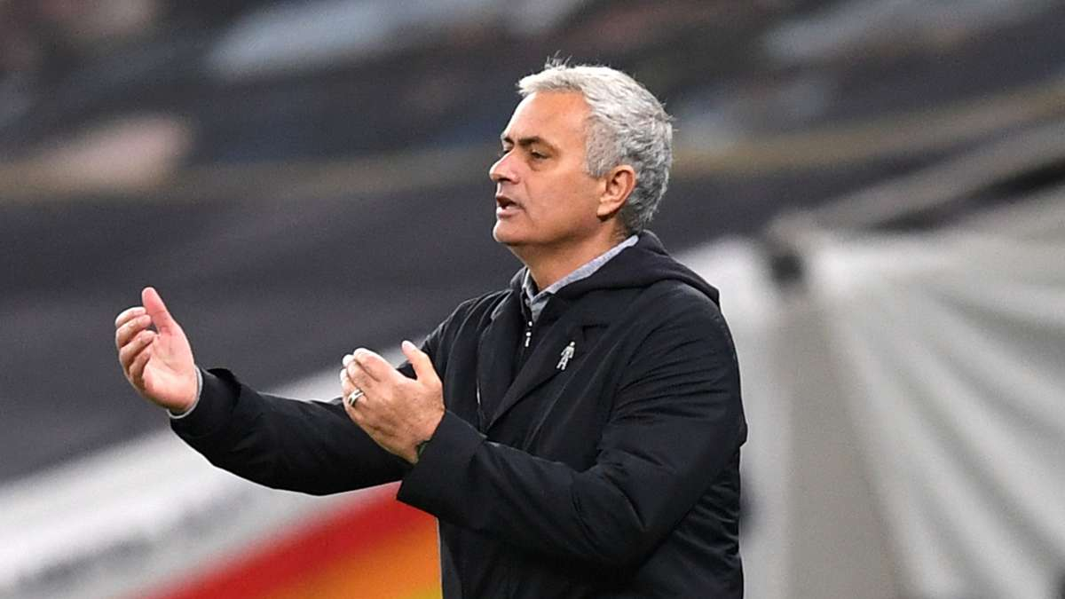 Mourinho fires jab at Klopp & Guardiola over fixture complaints