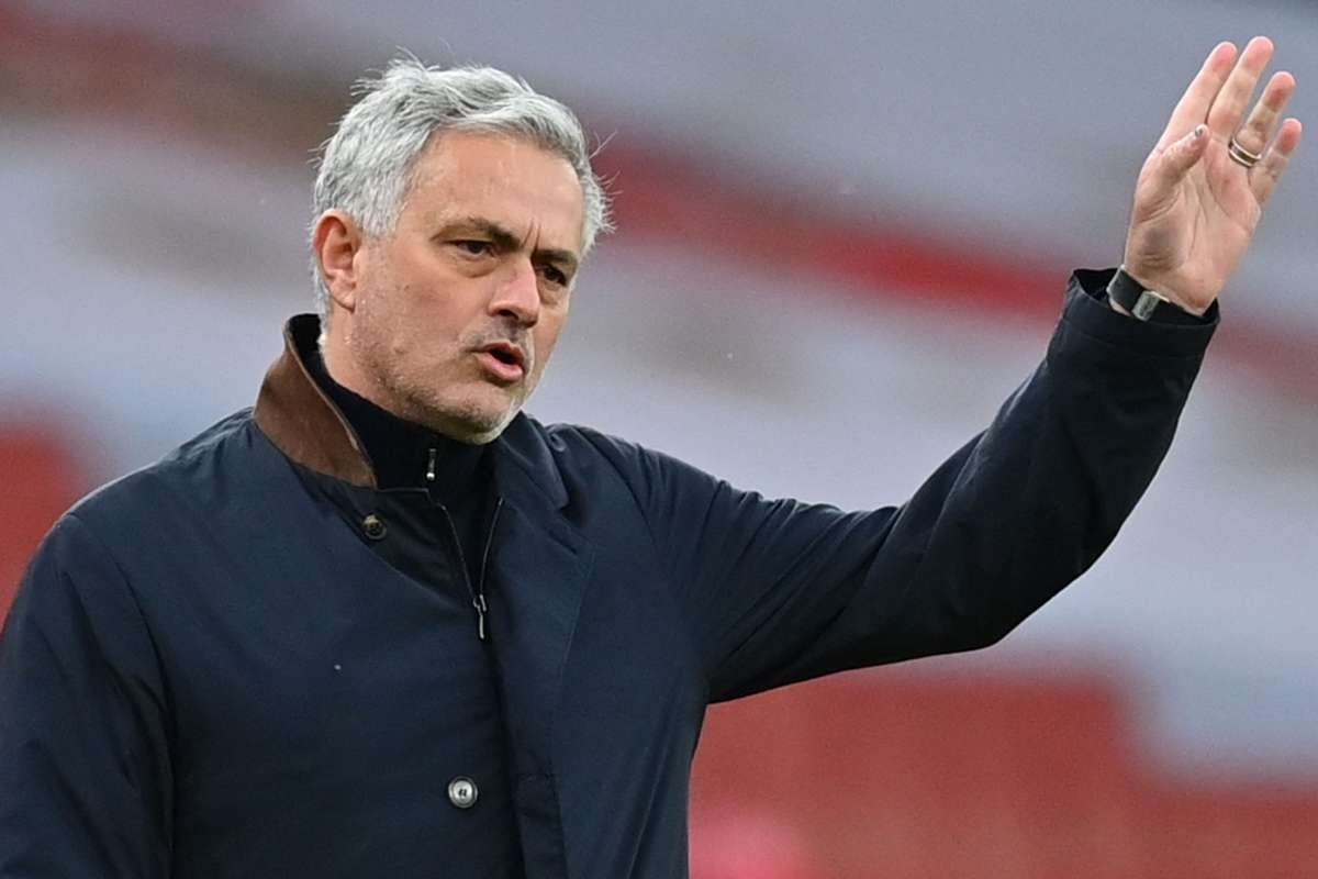 Mourinho takes aim at Solskjaer with Sir Alex Ferguson dig