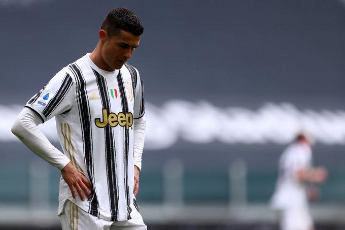 Ronaldo sends message to agent over Man Utd return